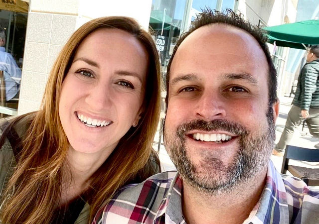 MarketInk: After Getting Fired, AJ and Sara Create Their Own Radio Station