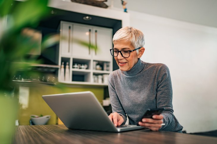 15 Jobs for Retirees That Can Be Done From Home